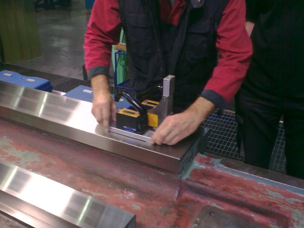 WH 10 CNC - kontrola loží po broušení